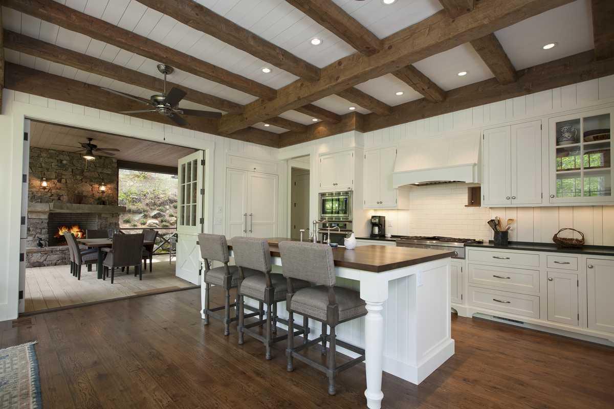 Laurel Knob Kitchen